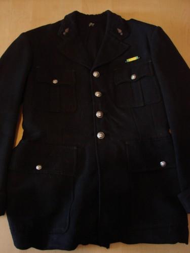 veste gendarme, gendarmerie,vercors,résistance, ffi,autrans,méaudre,guerre,allemand,39 45,grenoble,wwII,ww2,allemande,militaire,militaria,képi,masque à gaz,casque allemand,casque militaire