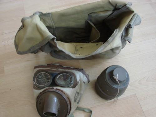 masque à gaz,mag,vareuse,ww2,wwii,vercors,autrans,méaudre,isère,drôme,39 45,guerre mondiale,tenue,allemande,veste;all,wh,ffi,résistance,casque allemand
