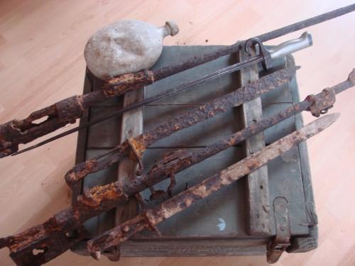 vercors, vercors résistance,vercors ww2,ww2,wwII,39 45,caisse militaire bois française 39 45,baionnette, baïo, fouille, allemand,